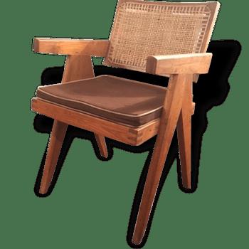 Meubles D Occasion Et Deco Vintage Selency Une Autre Maniere De Chiner Furniture Home Decor Chair