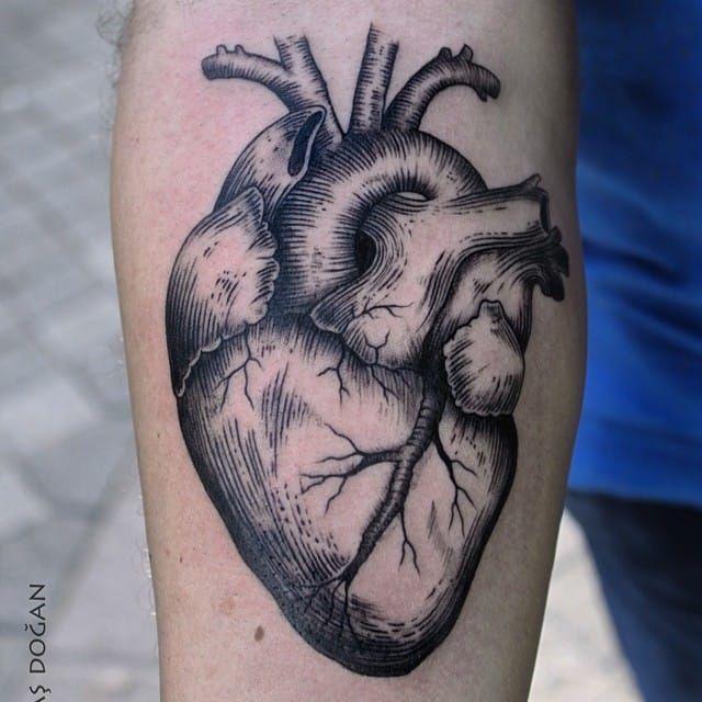 pin von janine graf auf heart tattoos tattoos heart. Black Bedroom Furniture Sets. Home Design Ideas