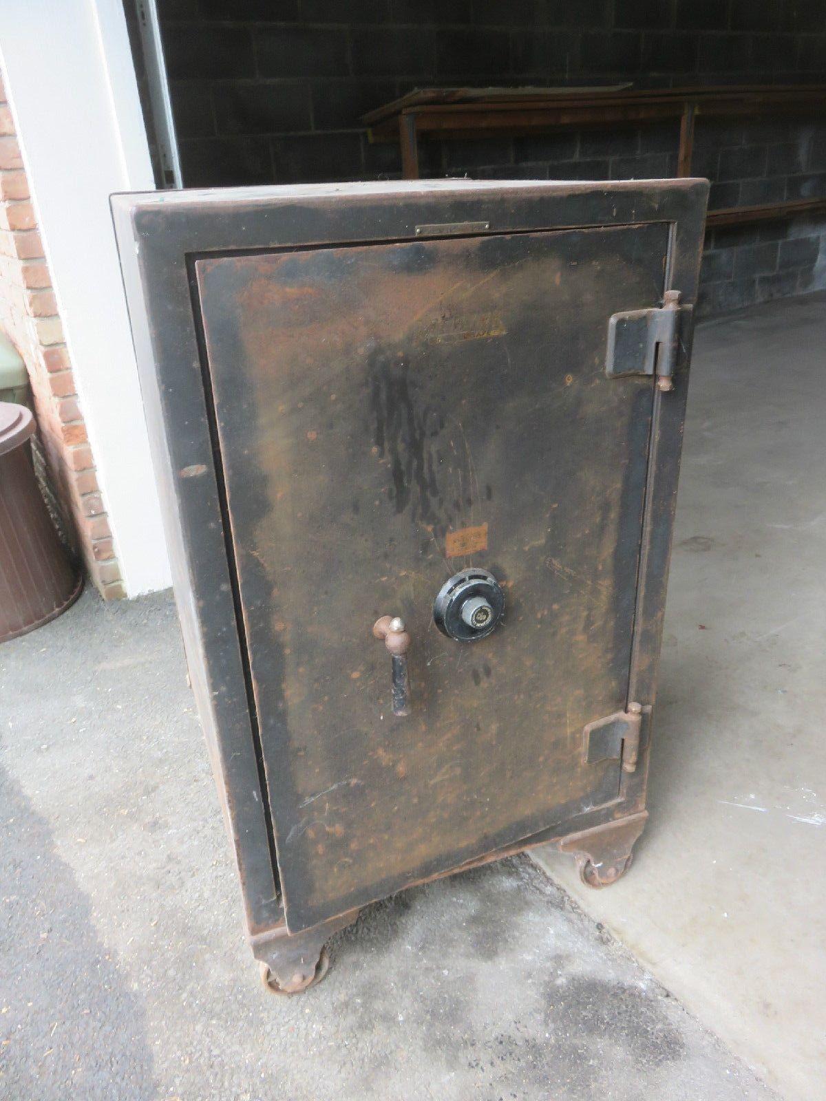 Antique Vintage Safe 600 lbs Large Sargent and Greenleaf Rochester