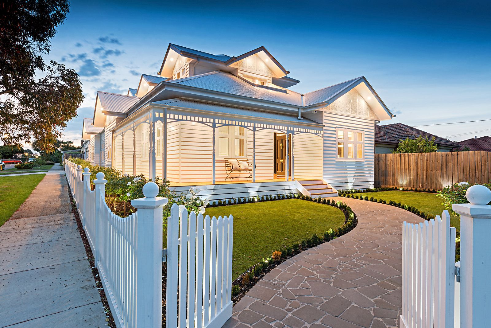 traditional weatherboard in Melbourne meets modern