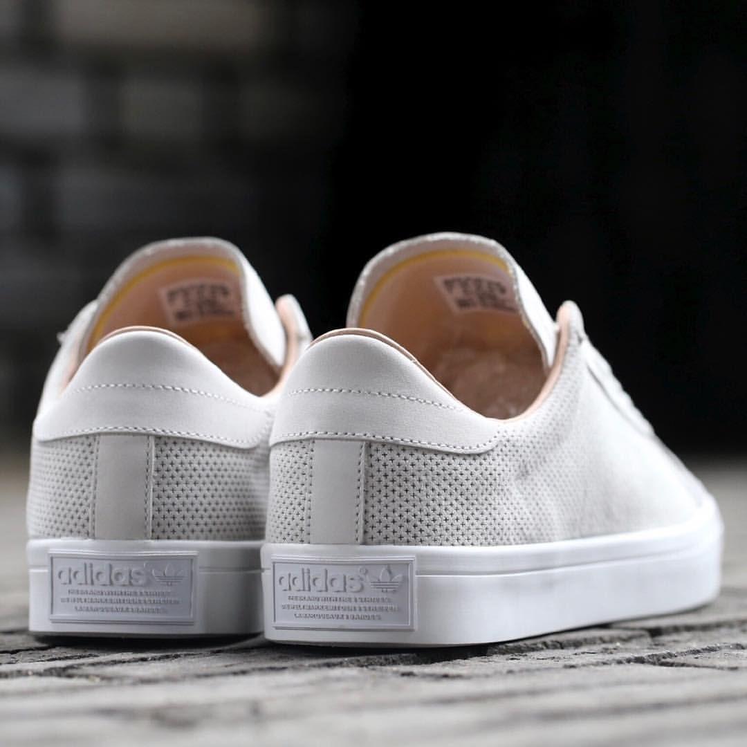 Correo Mamut Guante  adidas Originals Court Vantage: Vintage White