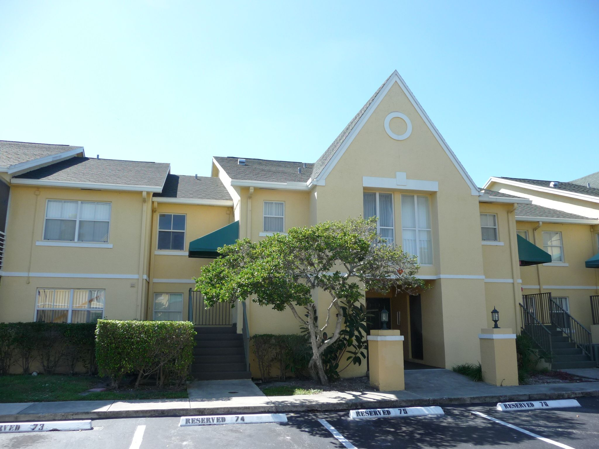 2813 N Course Dr., Pompano Beach, FL. A #foreclosure in Breezes at ...