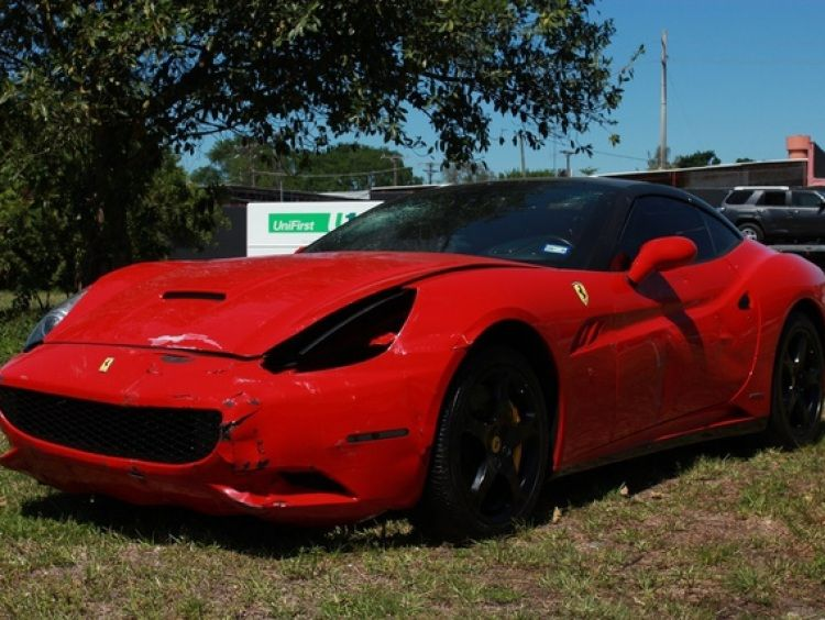 Runs drives salvage title call 305 299 4260 for more