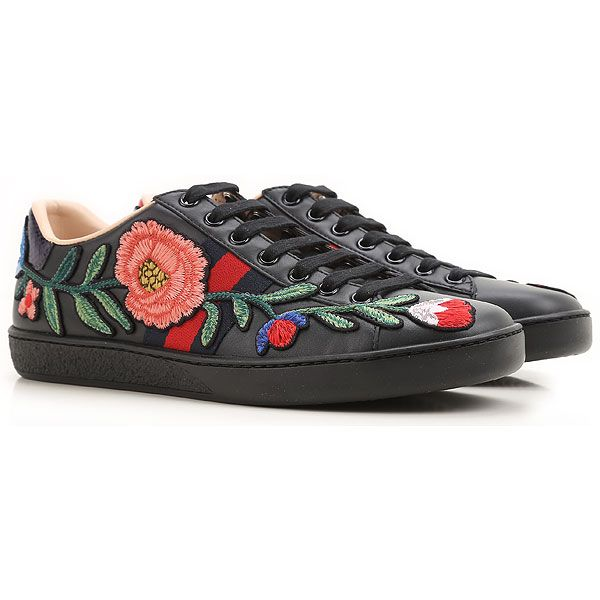 Gucci Shoes For Women Such As Sandals Boots And Sport From The Latest Collection Find Authentic Gucci Shoes In Many S Gucci Shoes Sneakers Fashion Sneakers
