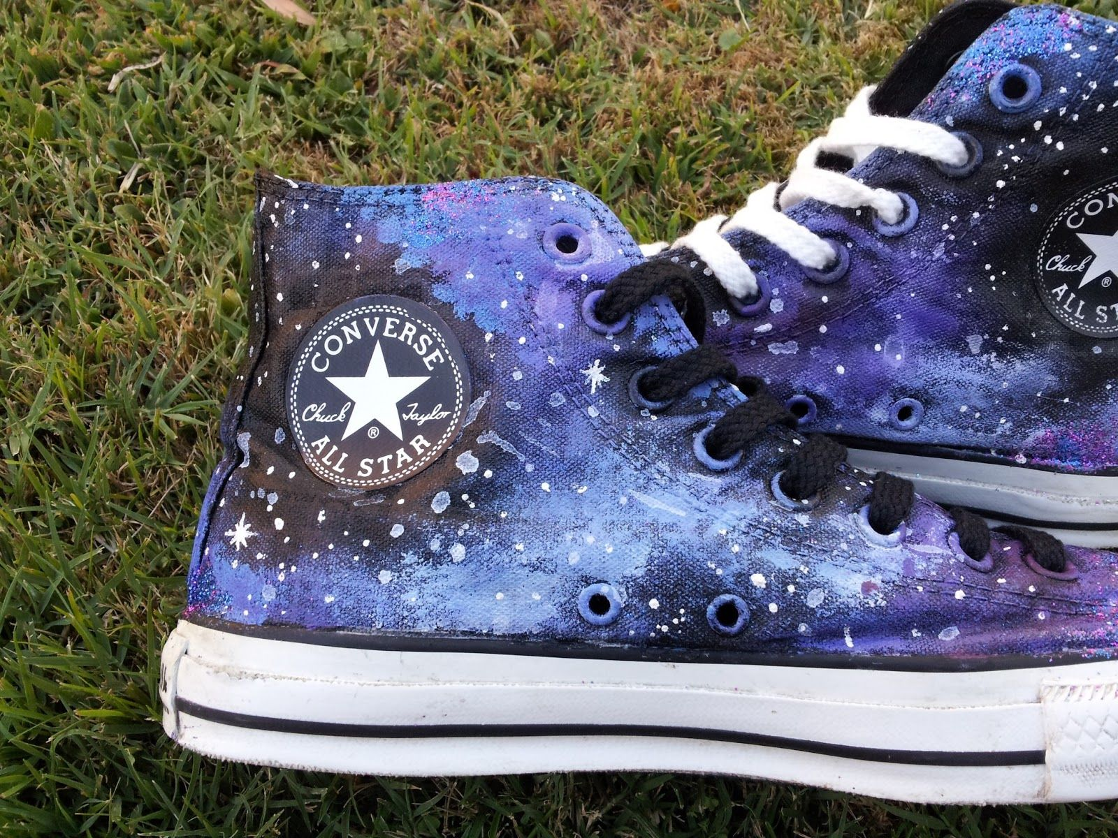 The Fashion Lookout: DIY Galaxy Converse | D I Y Stuffs