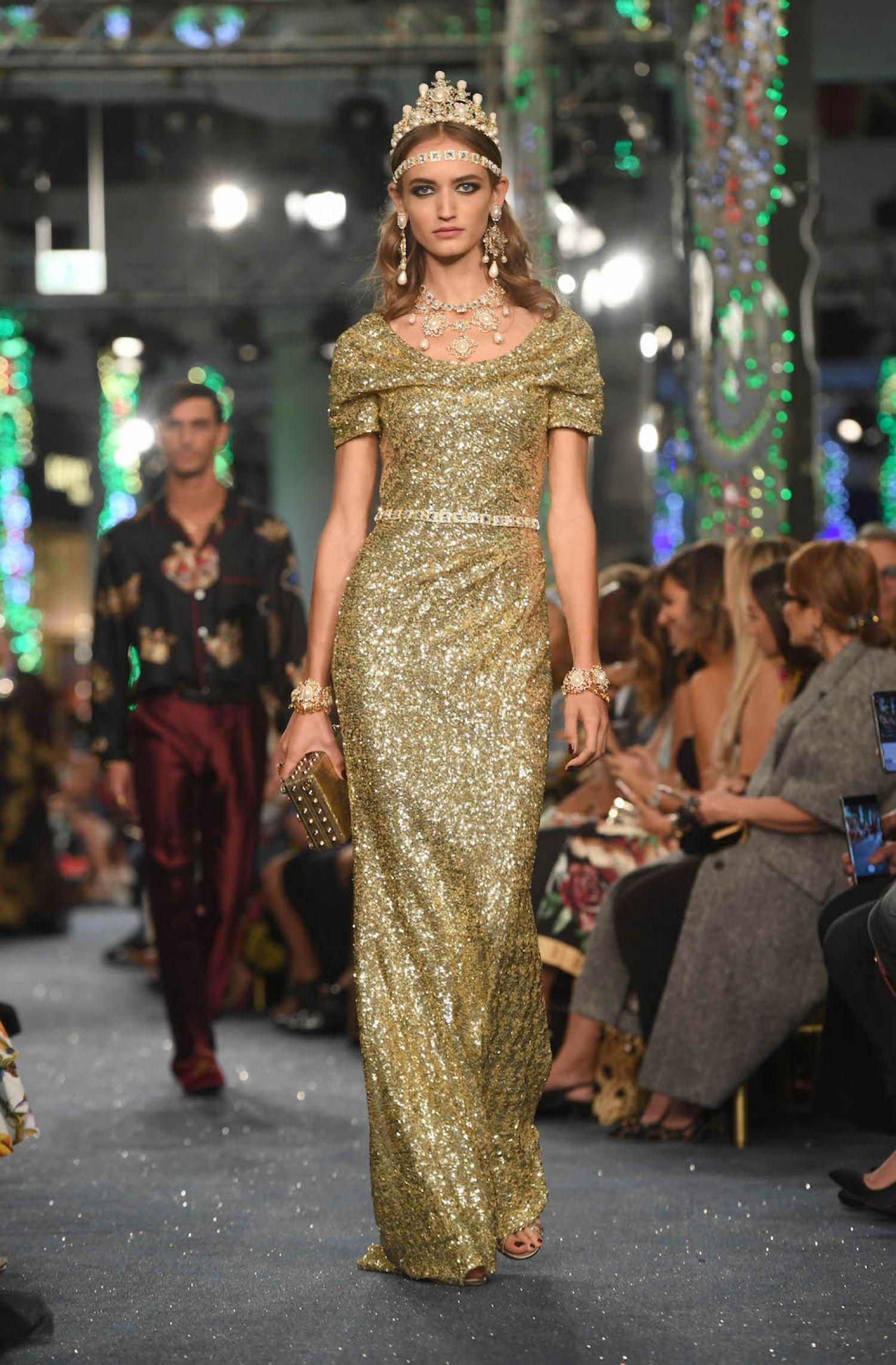 c27fce3dc A Review of the Dolce & Gabbana Runway Show in Dubai - Savoir Flair ...