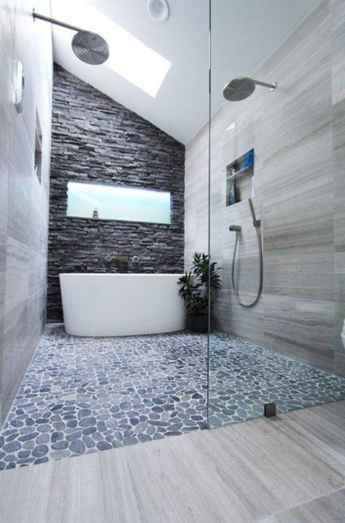 Le carrelage galet pratique rev tement pour la salle de bain galets pinterest carreaux - Galet salle de bain castorama ...