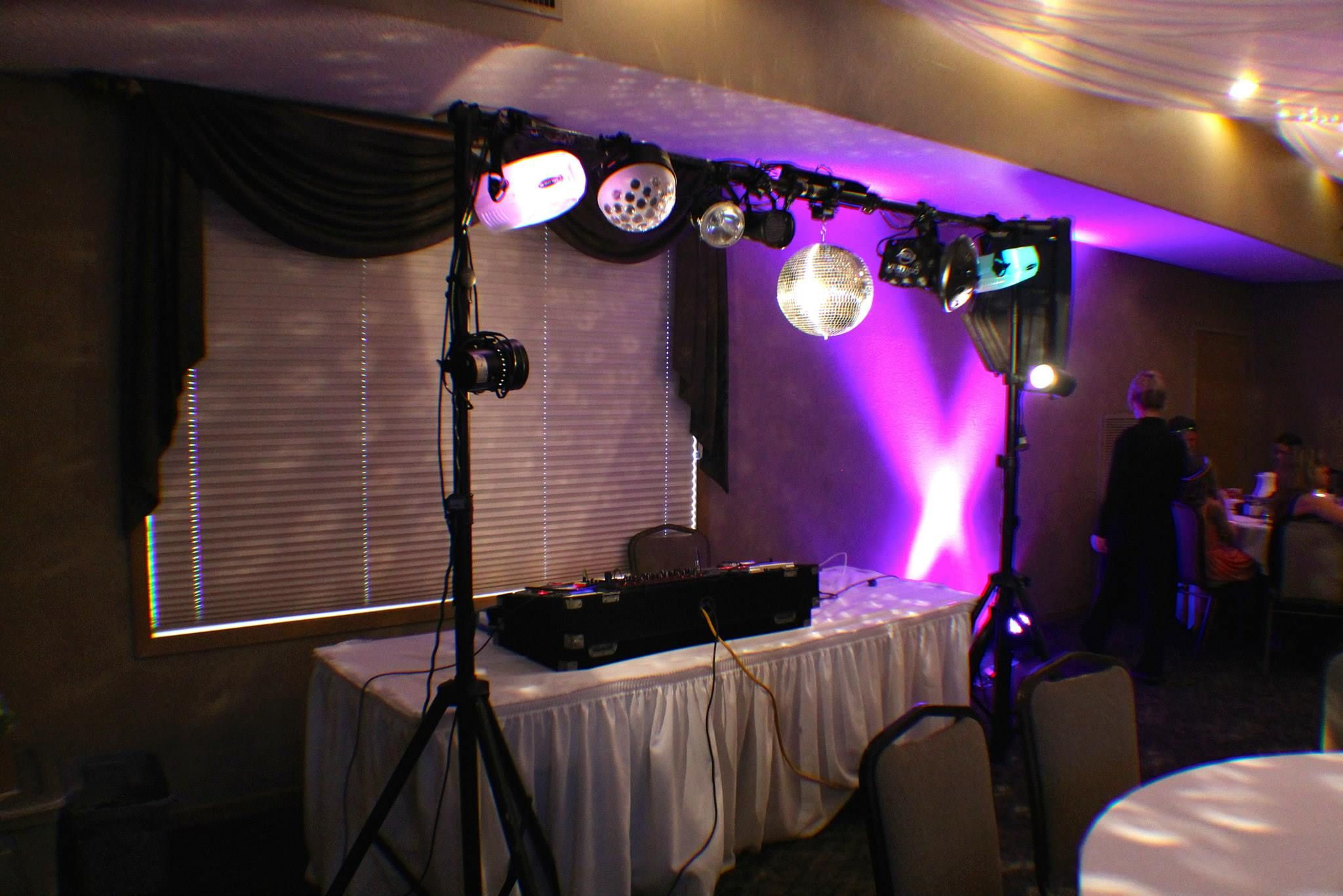 midwest sound dj entertainment and uplighting midwestsound dj