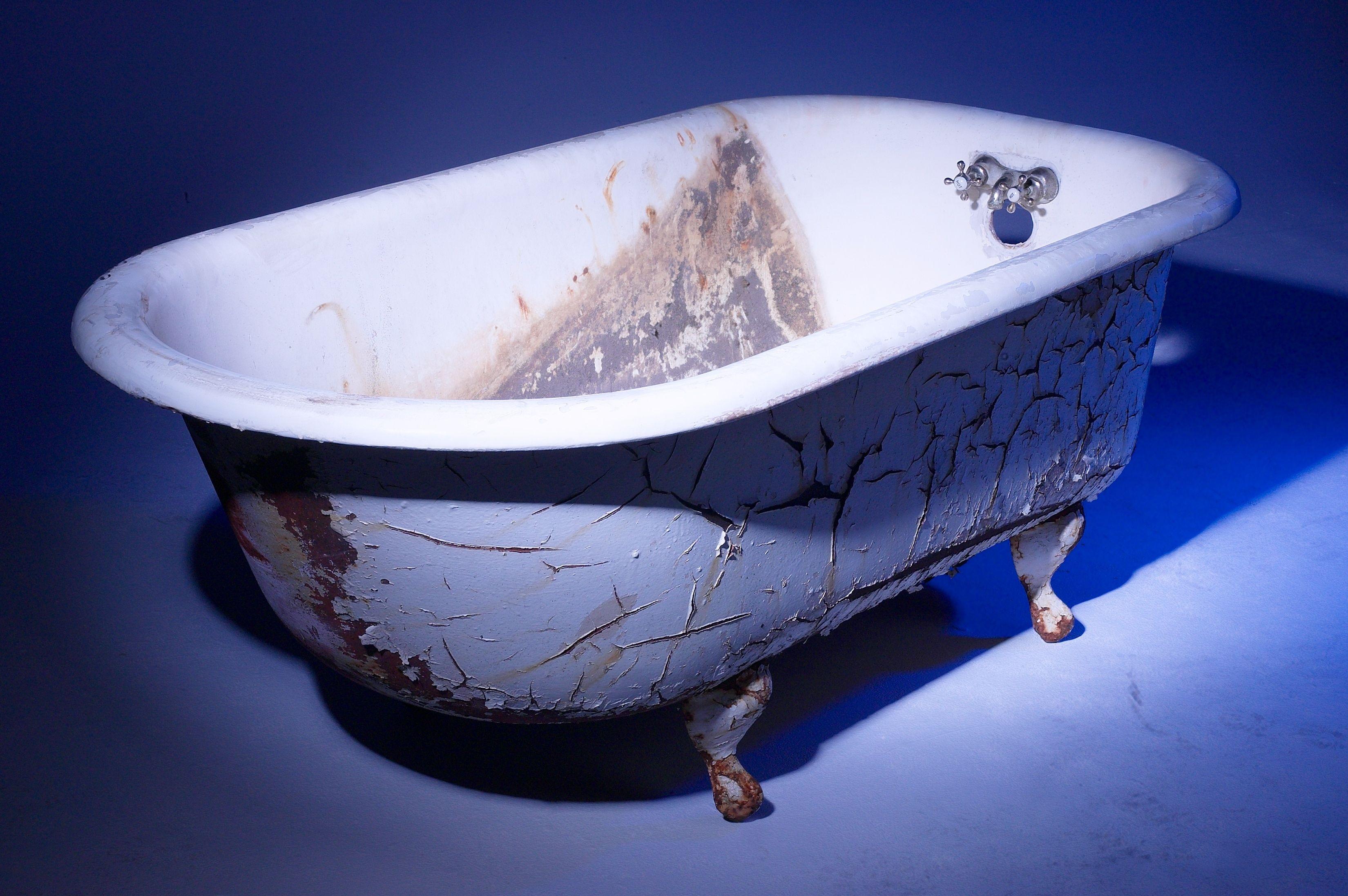How to get dye off tubs hunker porcelain tub refinish