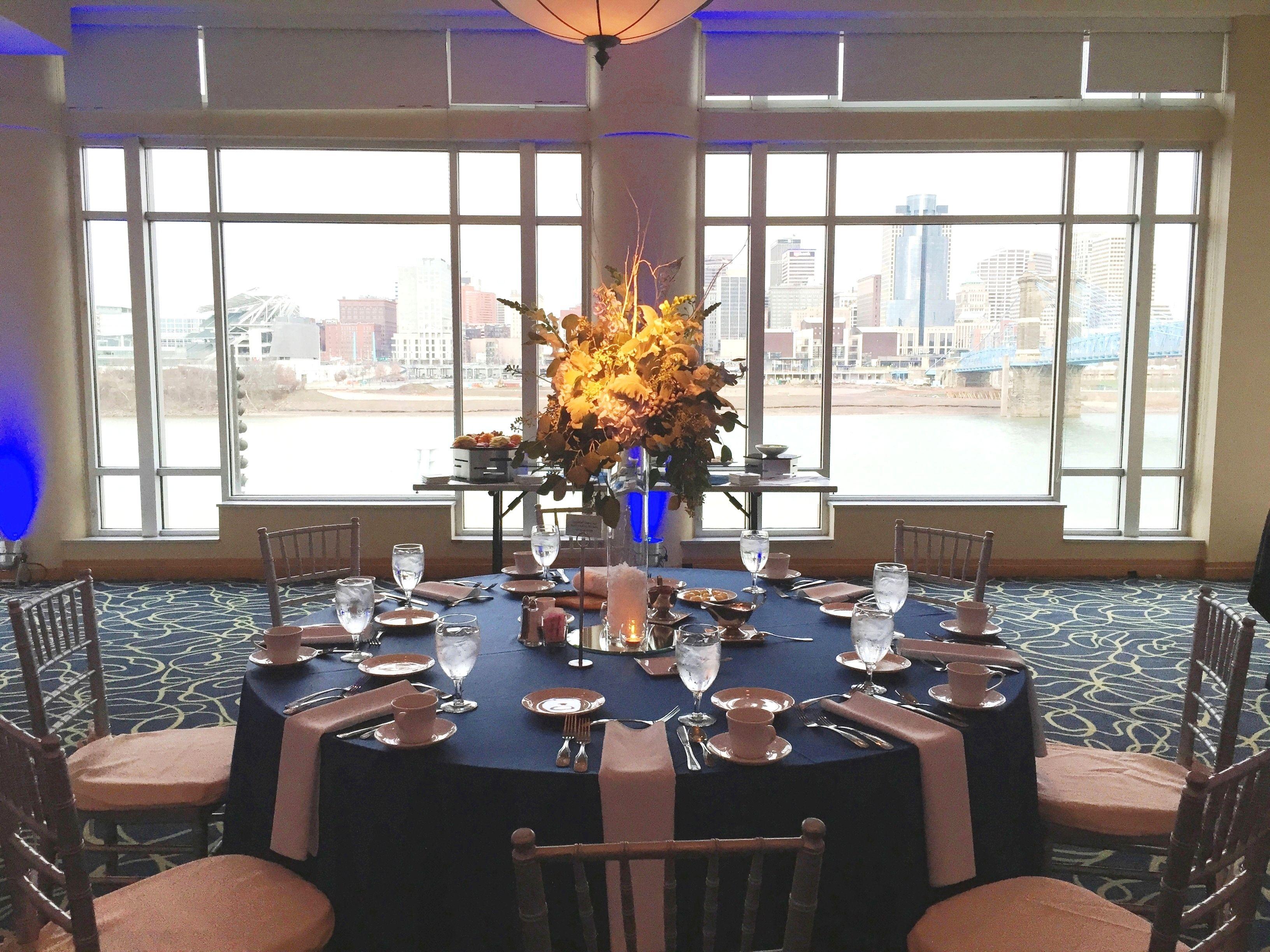 Embassy Suites RiverCenter - a beautiful Cincinnati wedding venue ...