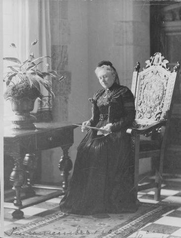 Empress Friedrich of Germany (1840-1901)   Queen victoria