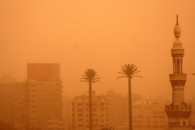 Cairo turns orange during sandstorm