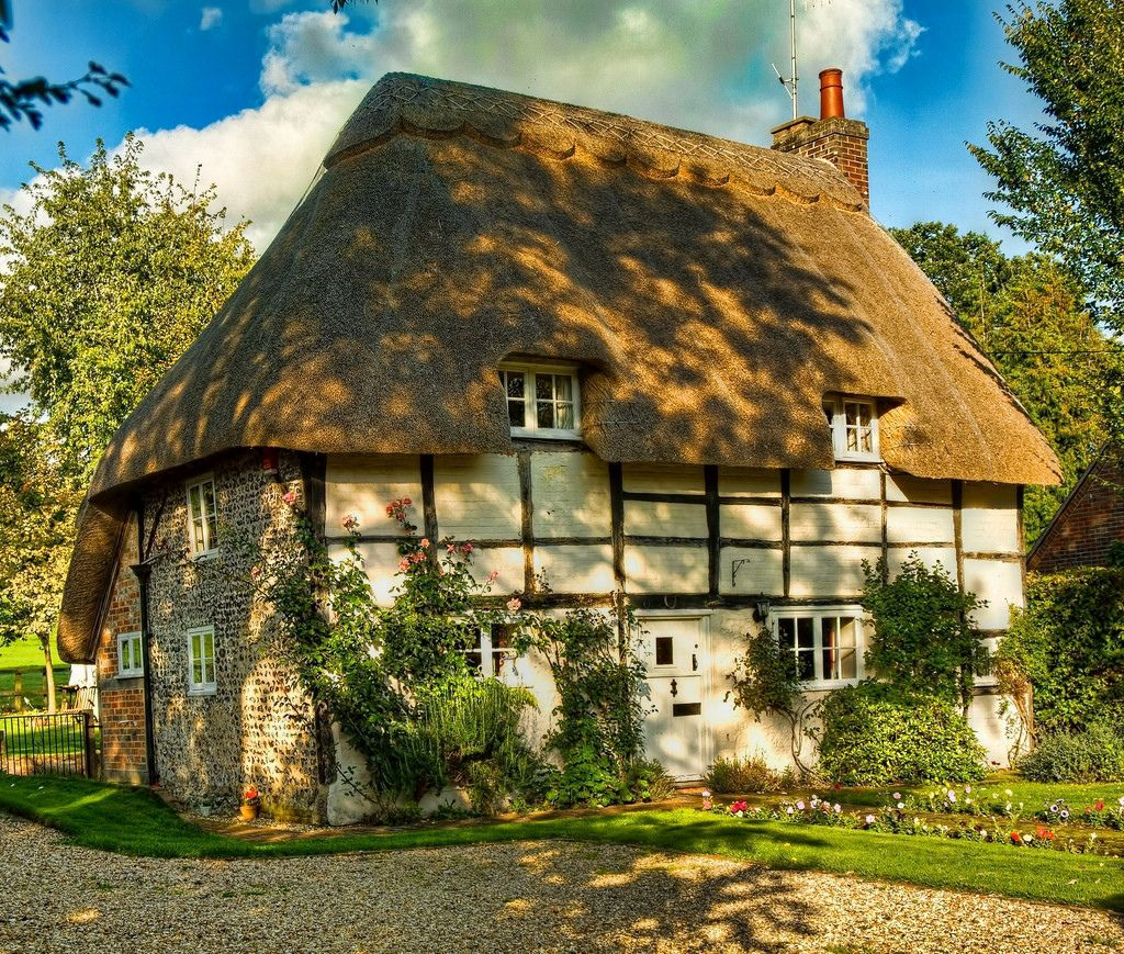 A thatched cottage at Stoke in Hampshire. Credit Anguskirk | COTTAGE ...