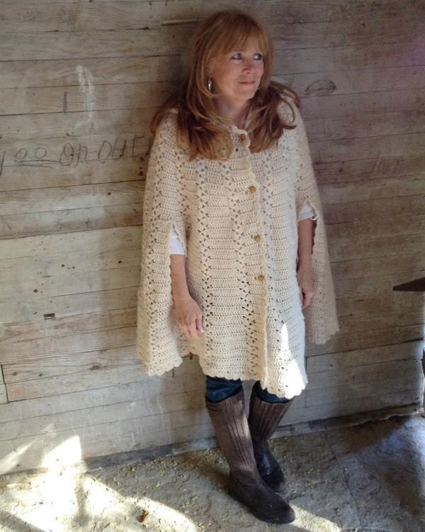 Long Hooded Cape Crochet Pattern | Ponchos, Chal y Capilla