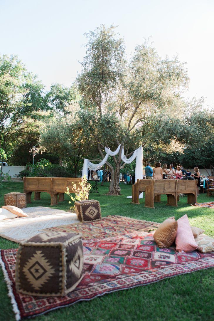 Outdoor boho-inspired reception | A Boho Backyard wedding ...