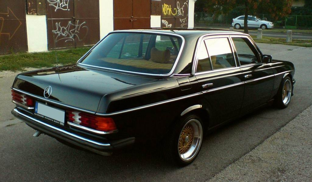 W123 Like A Bawse With Images Custom Mercedes Benz Mercedes