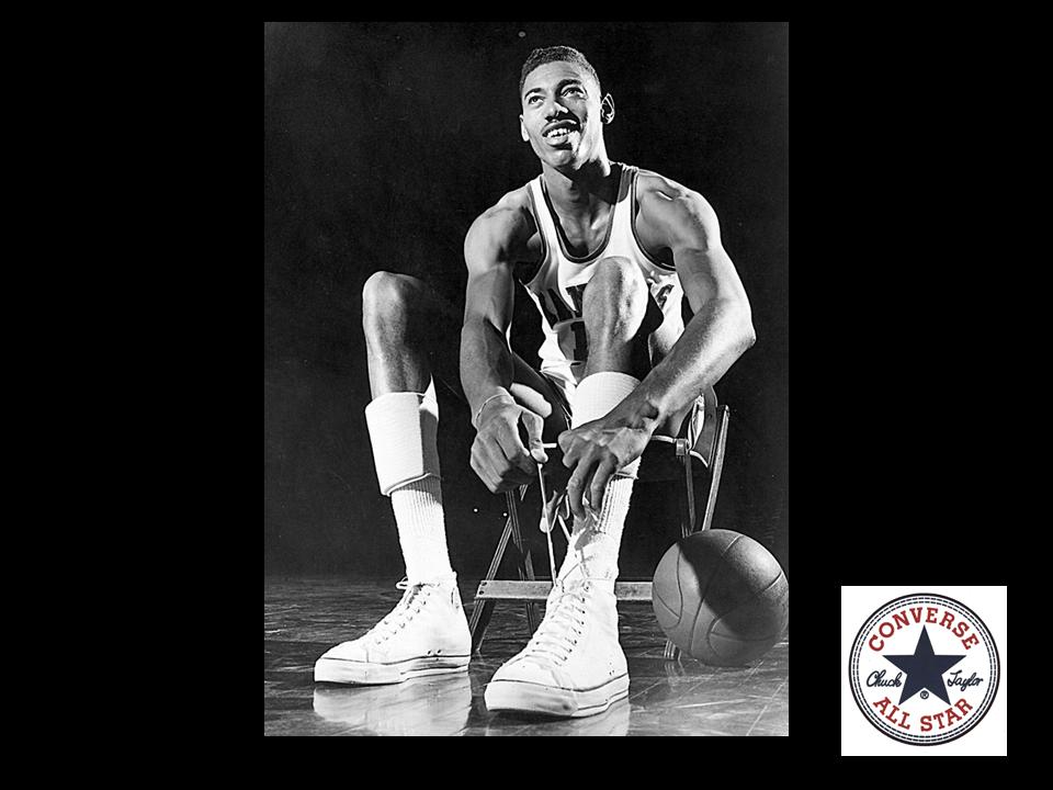 MUNDO CONVERSE ¿Qué hazaña logró Will Chamberlain con unos tenis Chuck  Taylor all Star  Wilt Chamberlain famoso jugador de basketball 9498ebf7147