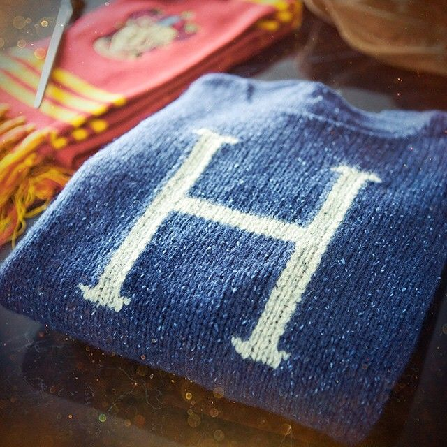 A Weasley jumper, knitted with love. #MrsWeasley #HarryPotter @UniversalOrlando