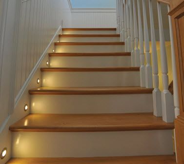 Best The Stair Lights Looked Kind Of Like This Stairway 400 x 300