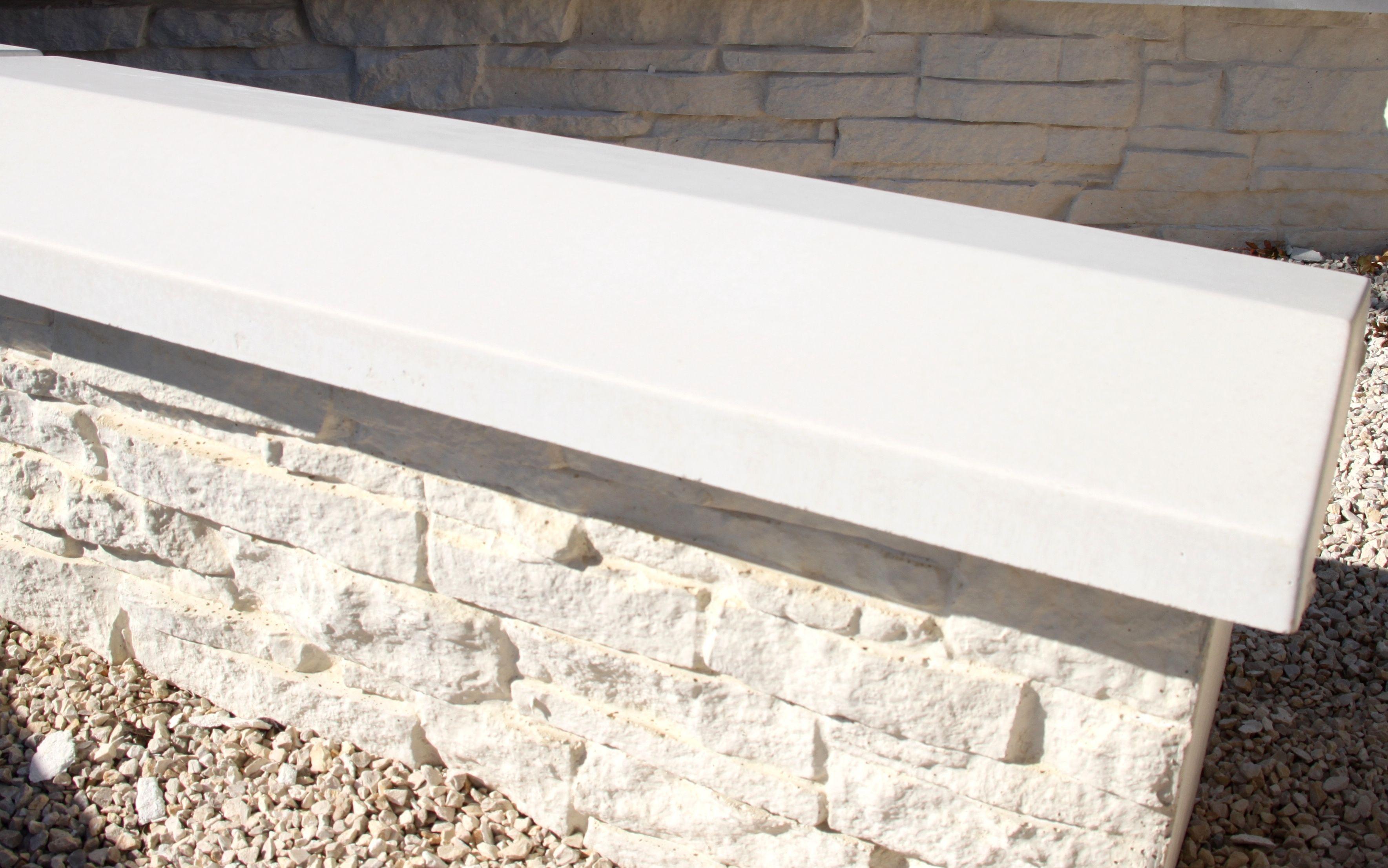 Couvertine Double Pente En Béton Blanc Préfabriq Dessus