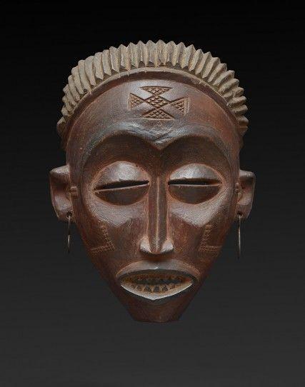 http://www.joaquinpecci.net/gallery/masks/91-tchokwe