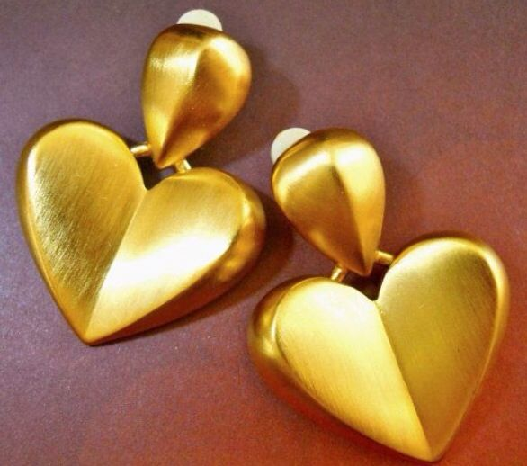 These gorgeous vintage Givenchy hearts always make us happy!