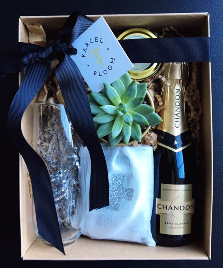 Bachelorette party bridesmaids gift custom gift boxes
