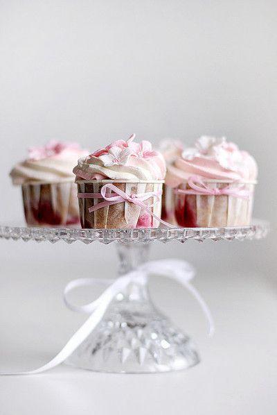 cute cupcakes for weddings