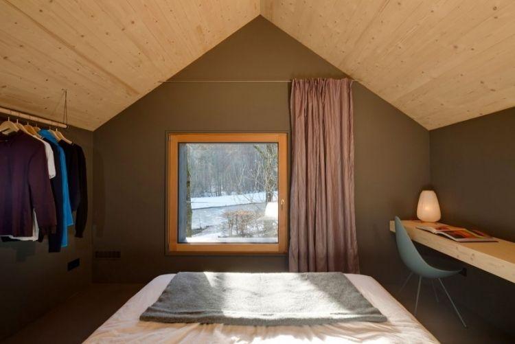 Modernes Wohnen Klein Architektenhaus Schlafzimmer  Wandfarbe Grau Deckenverkleidung