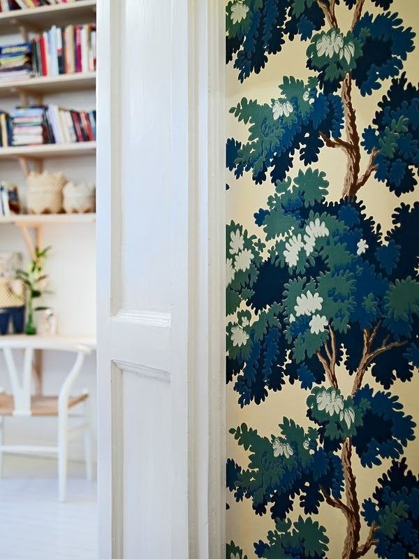 Wallpaper – Some Favorite Sources, Hot Tips {and a naughty vendor}