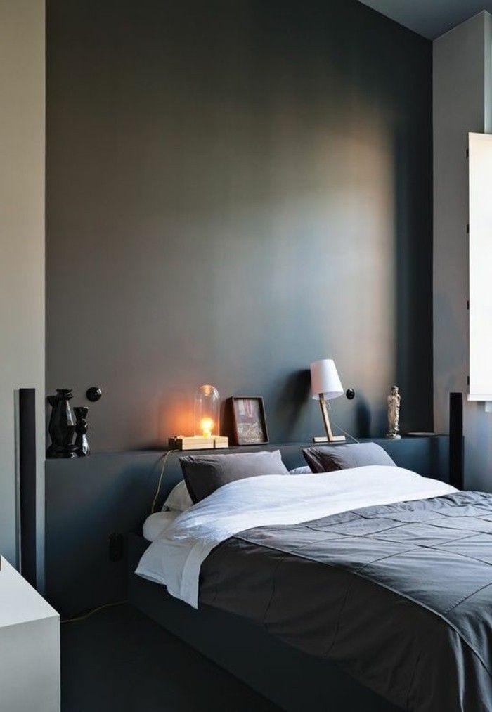 Comment peindre un mur gris foncé lit double dans la chambre parentale