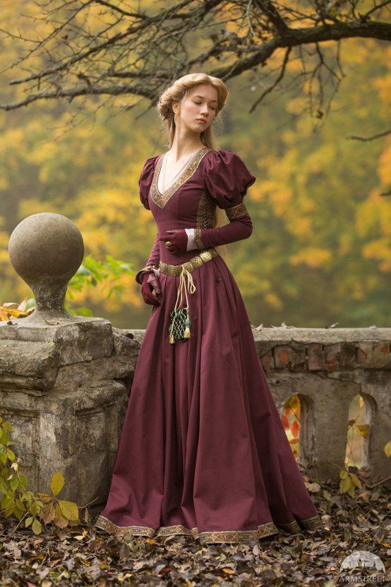 "Medieval Cotton Fantasy Dress ""Princess in Exile"";"