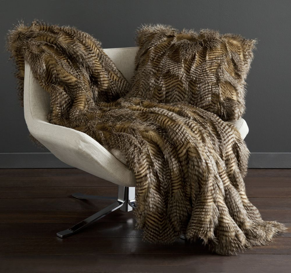 our statement throw, Bella. Imagine how stunning this faux fur appears on an all white bed. Glam & Modern.