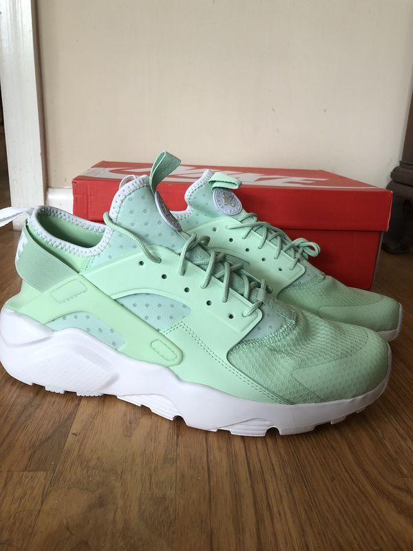mint green huaraches