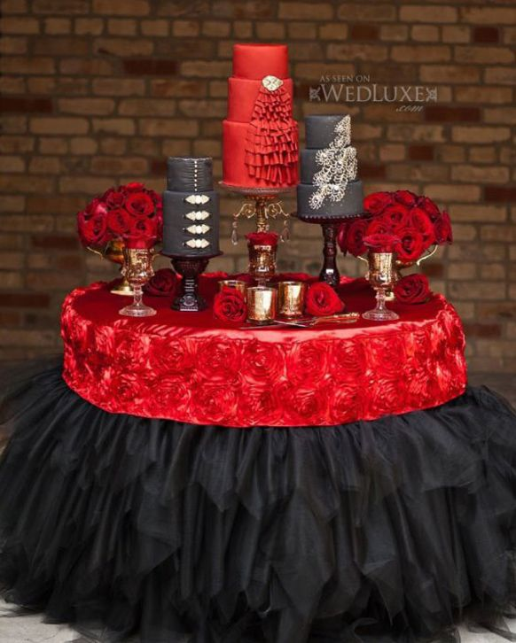 red, black and white table centerpieces | red and white wedding
