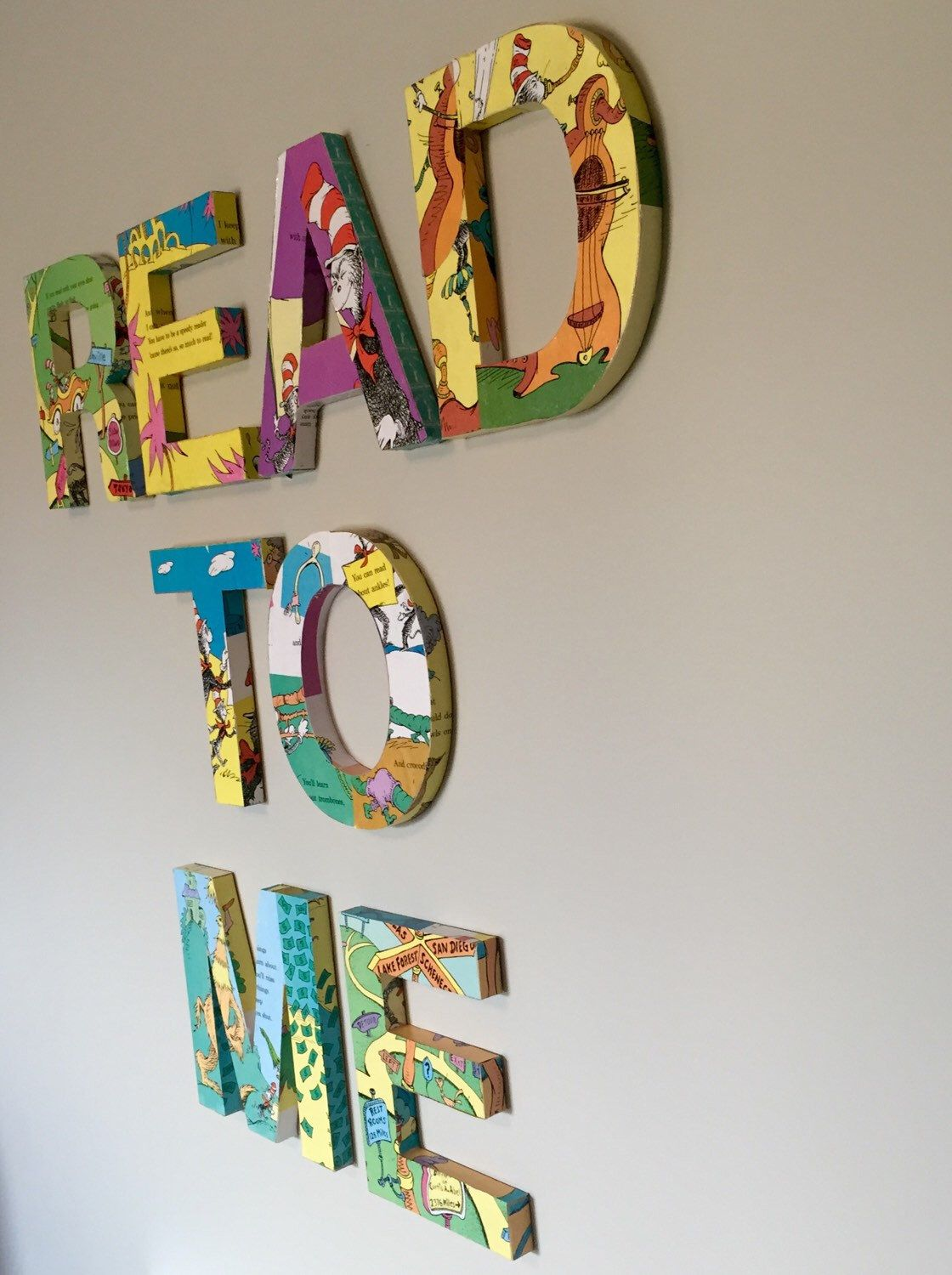 Dr Seuss Read To Me Wall Letters Dr Seuss Book
