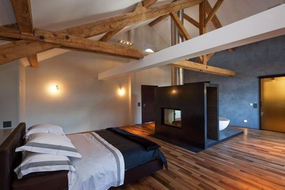 umbau denkmalgesch tztes bauernhaus bedrooms exposed beams and beams. Black Bedroom Furniture Sets. Home Design Ideas