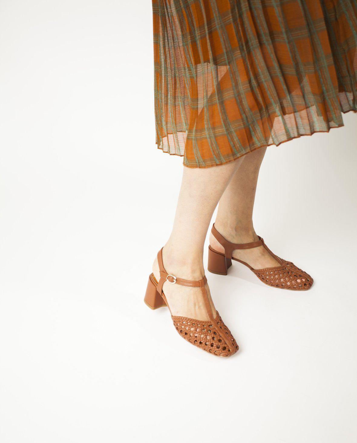 2 Baia Vista Vala Brandy Zomp Shoez In 2020 Woven Sandals Ankle Strap
