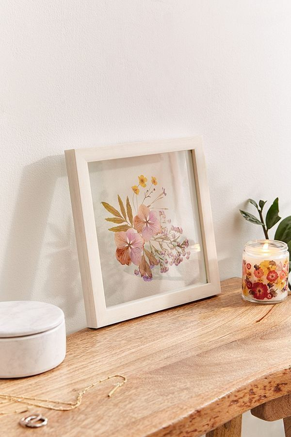 9x9 Room Design: Pressed Floral 9x9 Frame