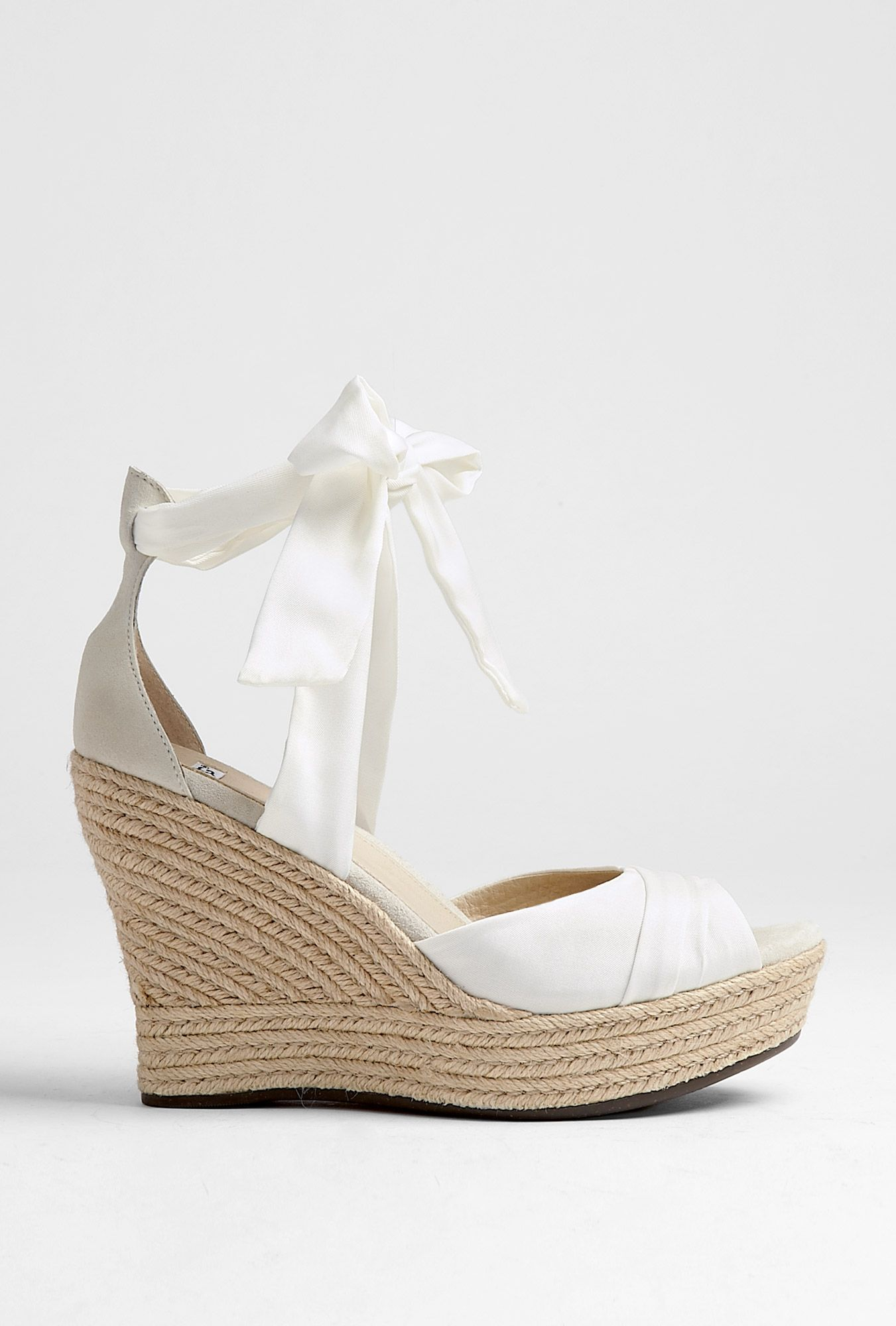 9e186c88e9a white bow wedges. uggs! | For the Feet | Ugg wedges, Wedges, Uggs