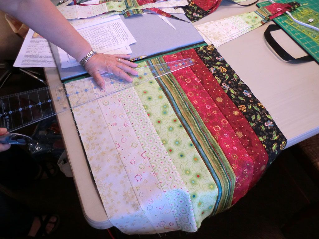 spicy spiral table runner pattern | Bigfork Quilts Etc: Spicy Spiral Table Runner Class No. 2. . .
