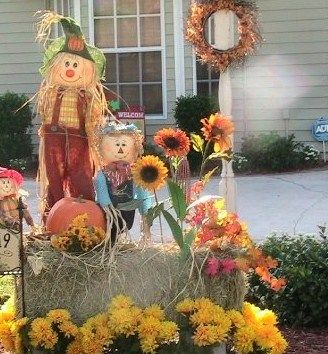 Outdoor Fall Decor Bale Of Hay Mums And Fall Leaves