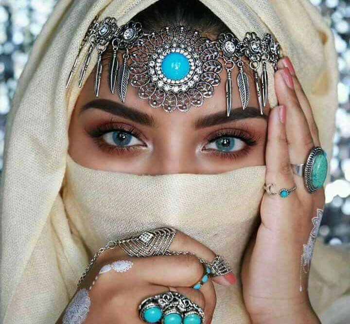 white sultana niqab hijab pinterest kost m sch ne bilder und auge. Black Bedroom Furniture Sets. Home Design Ideas