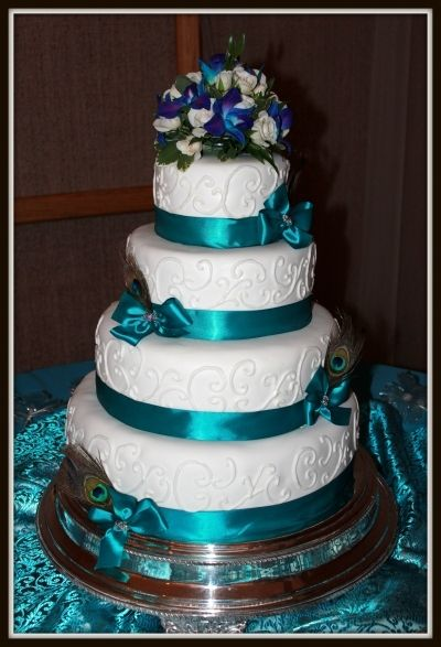 peacock colored wedding cakes peacock wedding cake by jterrill on cakecentral i 18155