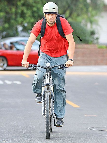 Mountain Man Photo Josh Duhamel Via People Com Biking And