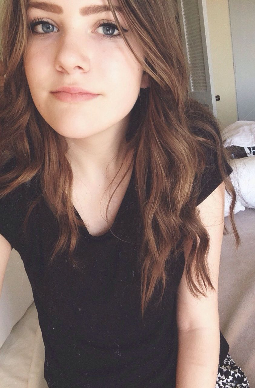 this is from the beach, but i never posted it bc idk if i like it or not, but hey here is a selfie for you :)