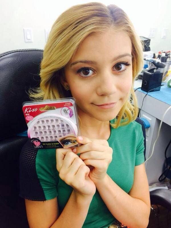 G Hannelius Answers fan questions #AskDWAB - Dog With A