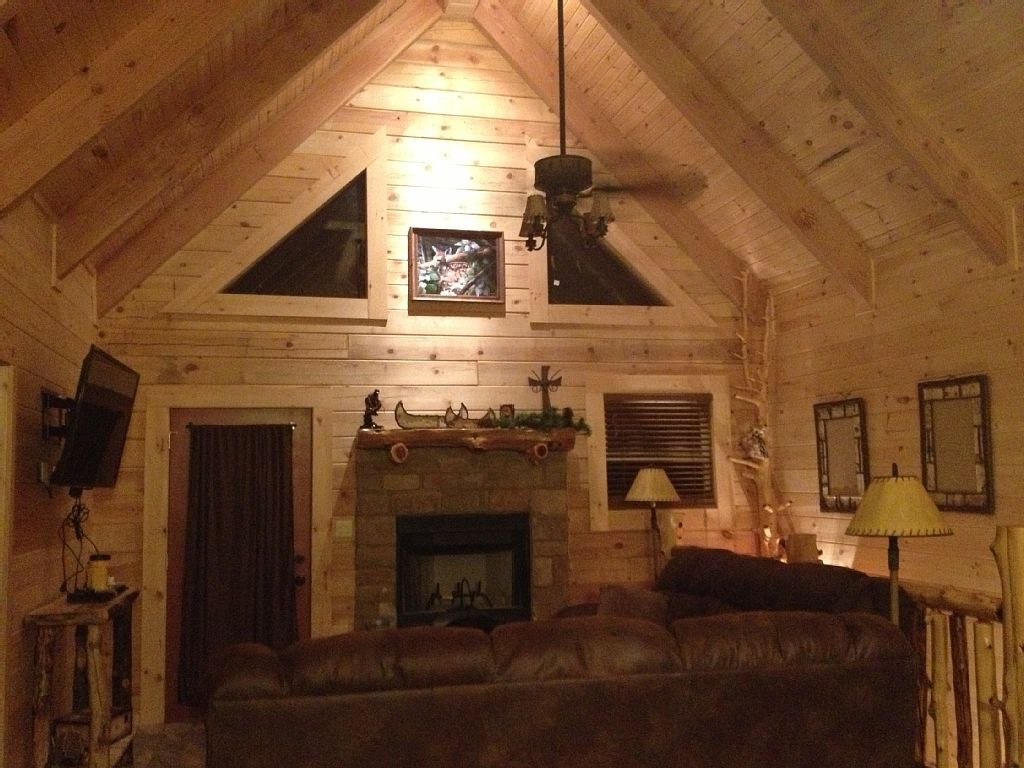 Cabin vacation rental in Ridgedale from