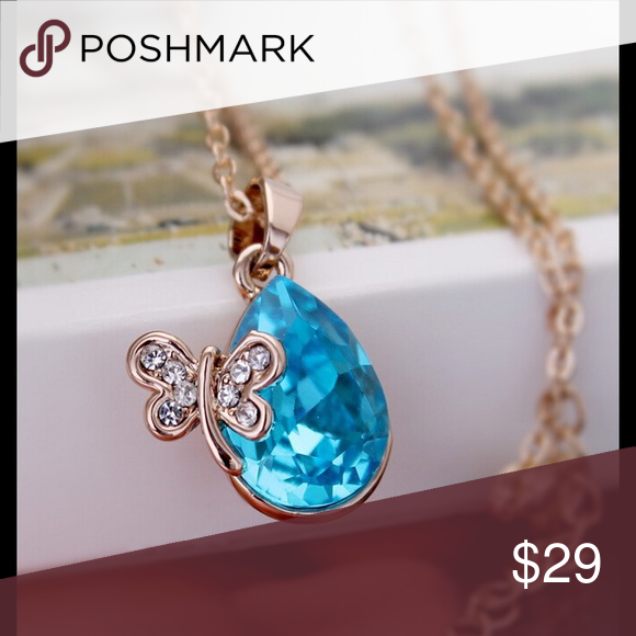 Austria Crystal Sparking Dragonfly Necklace Austria Crystal Plated Luxurious Sparking Rhinestone Dragonfly Pendant Necklace.  Item  Pendant Size:1.8*1.7cm Material:Crystal Chain Type:Link Chain Length:40+5cm Metals Type:Gold Plated Shape\pattern:Water Drop Jewelry Necklaces