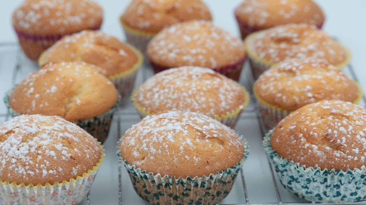بدون زبدة حضري 18 قطعة كب كيك فانيليا هش وخفيف باسهل وانجح طريقة Food Breakfast Muffin